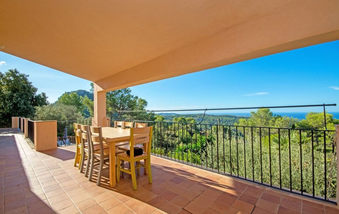 Country home for sale with far stretching sea views